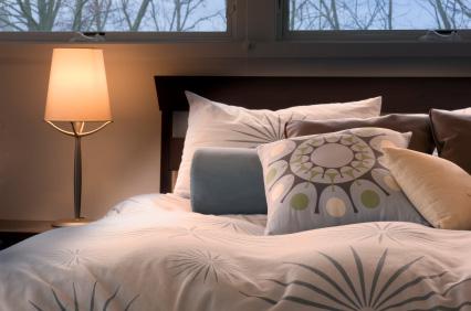 Pościel w sypialni - kołdra i poduszki